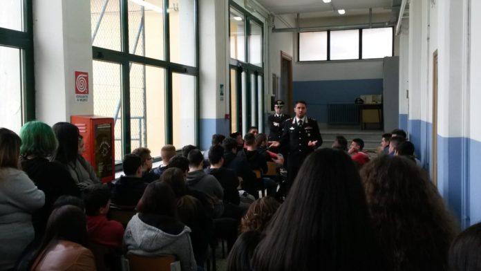 Ceglie M.ca Carabinieri incontrano studenti