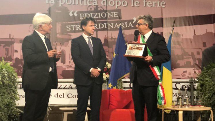 Angelo Perrino Luigi Caroli e Giuseppe Conte La Piazza