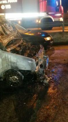 Auto Incendiate Viale Aldo Moro